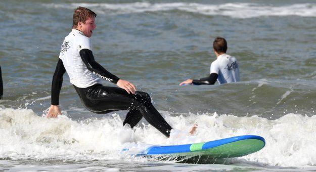 Surfen met de 3e en 4e jaars!