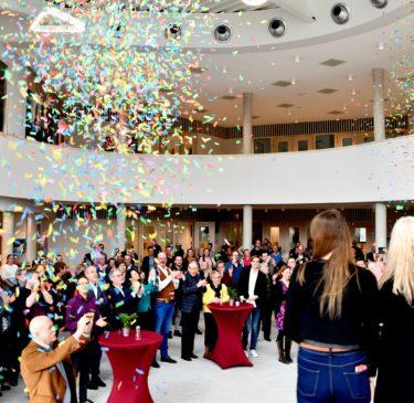 Het nieuwe gebouw van Ashram Nieuwkoop officieel geopend