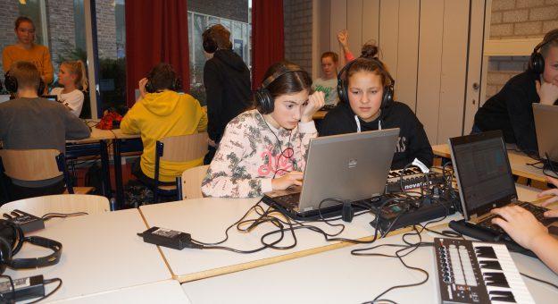 Nieuwe componisten op het Ashram College in Nieuwkoop