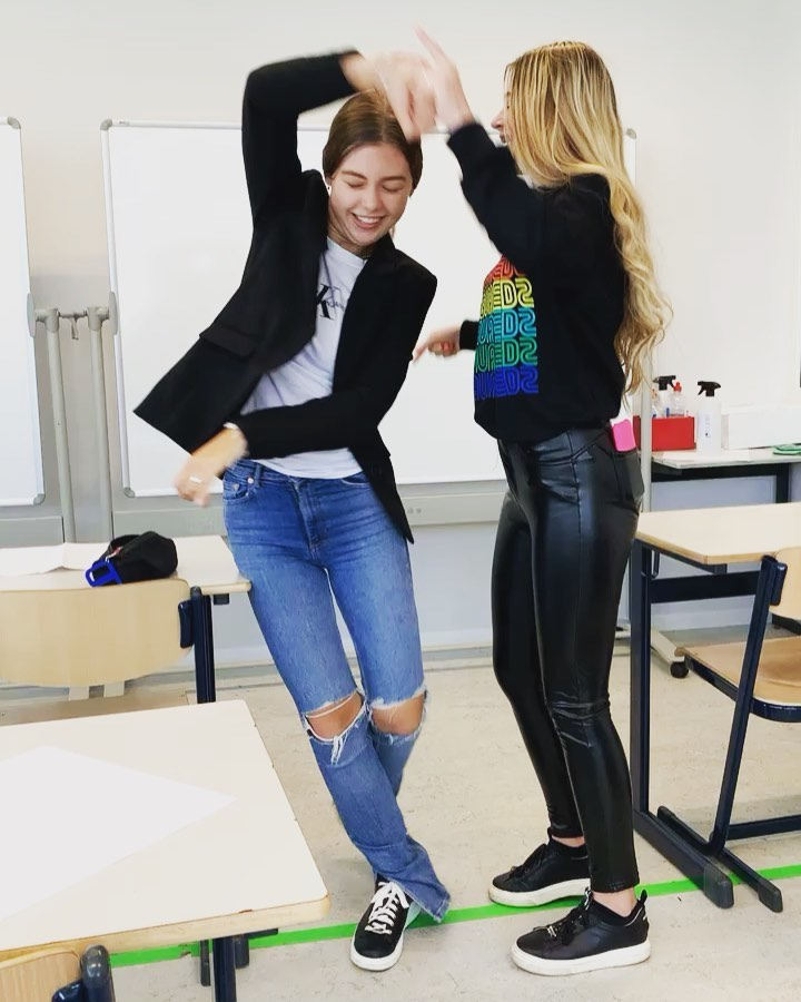 Friday vibes! 💃🏼 #bijnaweekend #leuksteschool #ashramcollege #nieuwkoop